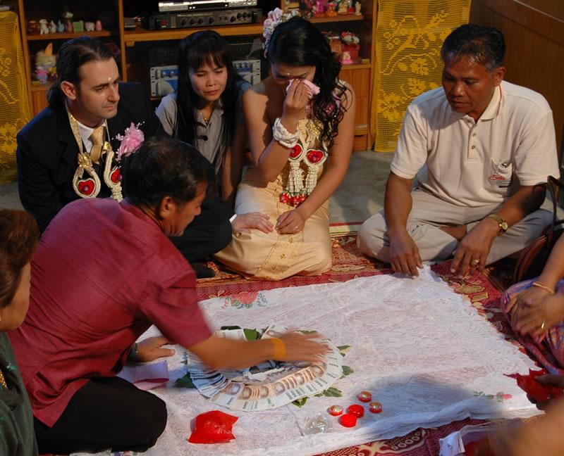 Matrimonio Simbolico In Thailandia : Matrimonio thai oro bath e un piccolo giallo u2013 parte quarta